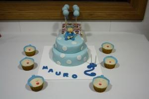tarta pocoyo y cupcakes 2