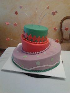tarta inclinada tres pisos fondant