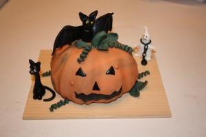 tarta calabaza con murcielago gato y fantasma 2