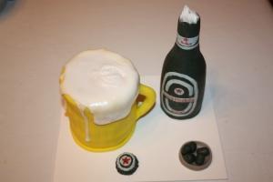 tarta jarra de cerveza y botellin 3
