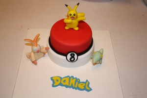 tarta pokemon pikachu y pocoball 1