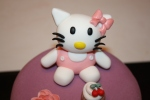Tarta Hello Kitty cupcake dos pisos (3)